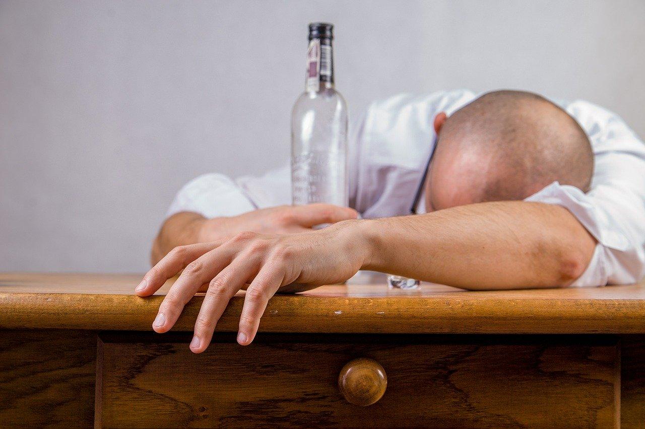 Hilft CBD bei Alkohol- und Kokainabhängigkeit?