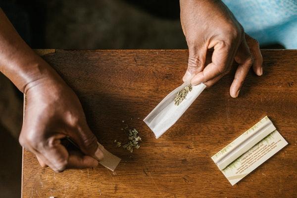 Schritt für Schritt zum perfekten Joint