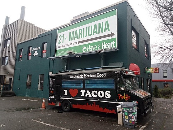 Cannabis-Billboard